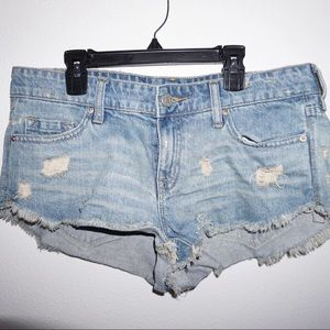 lightwash Urban Outfitters shorts